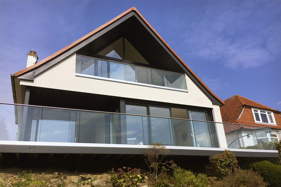 glass balcony, overhang, cantilever terrace, glazed gable, room in the roof